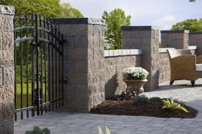 Allan Block Courtyard Collection